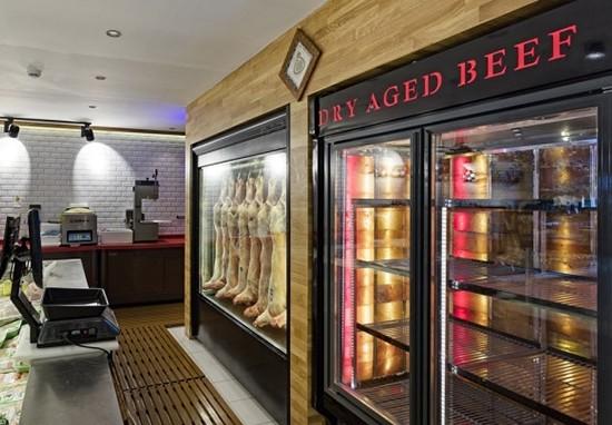 تجهیزات فروشگاهی اعم از انواع یخچال،قفسه،میزصندوق،کالسکه،استندوگیت ورود و خروج