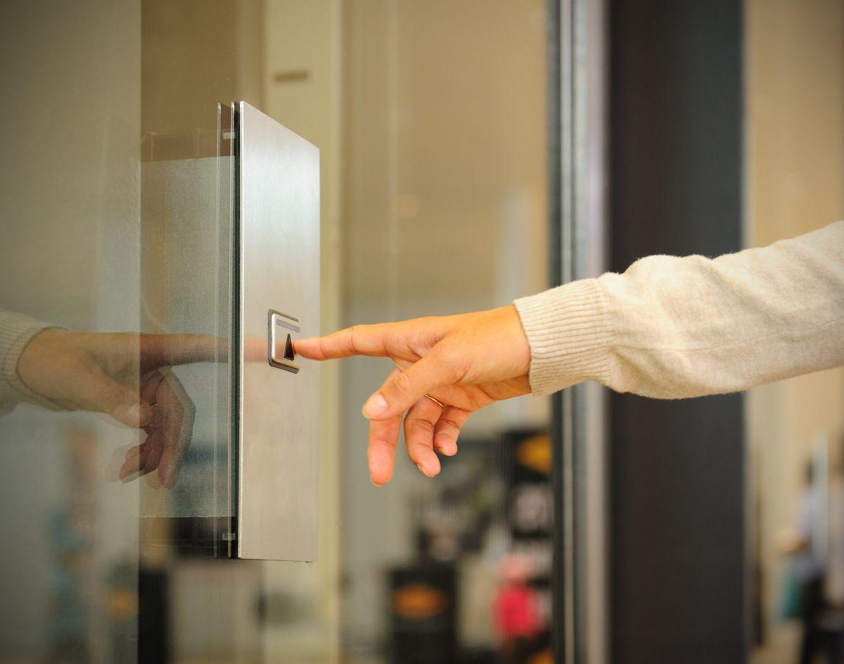 نصب و راه اندازی، تعمیر، سرویس و نگهداری آسانسور