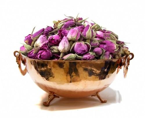 خرید و فروش عمده انواع غنچه، برگ و اسانس گل محمدی