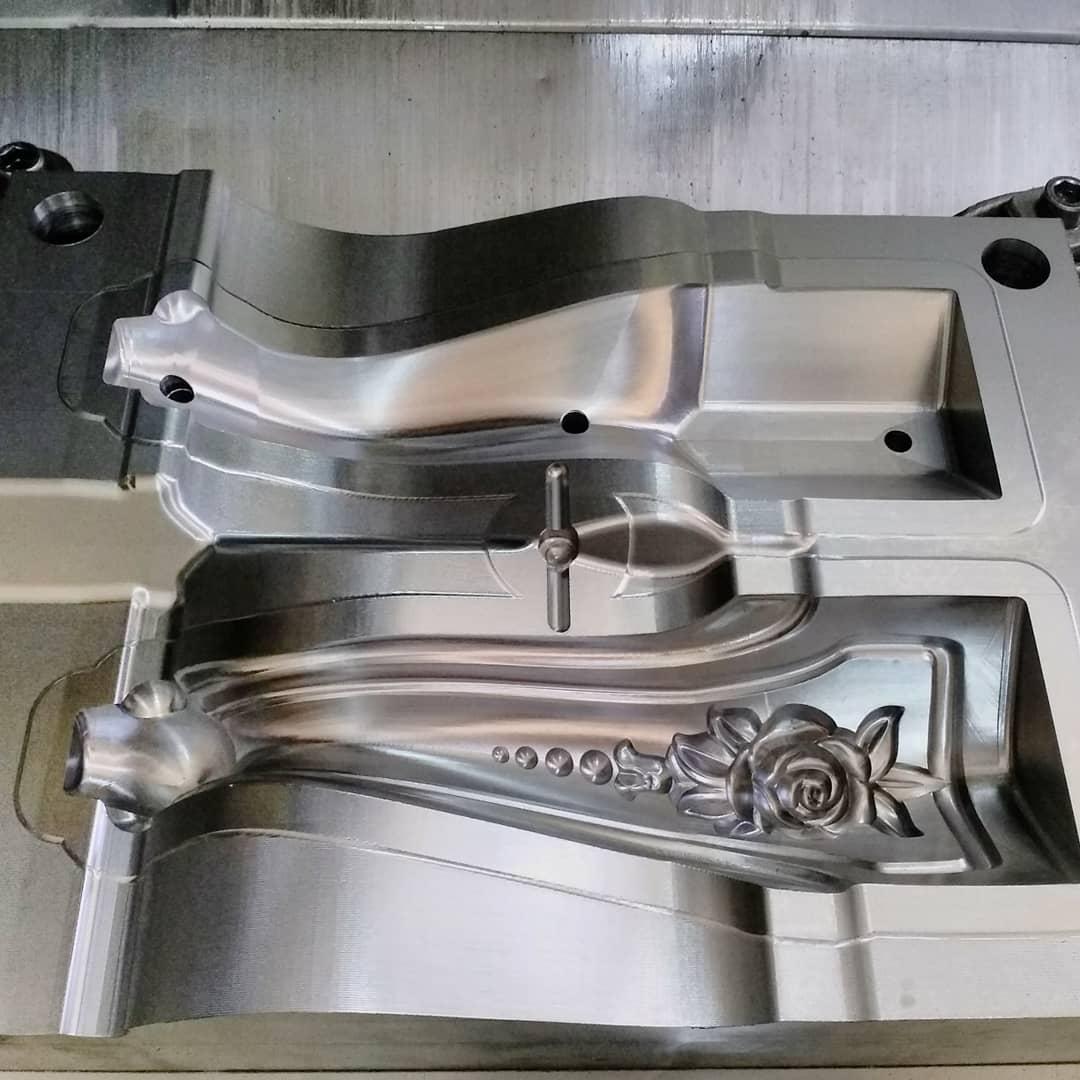 خدمات ماشینکاری تخصصی قالب با دو فرزcnc دقیق- قالبسازی پلاستیک- تزریق پلاستیک